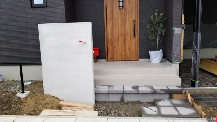 外構工事(門柱・階段作成)