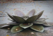 Sculpture of a lotus