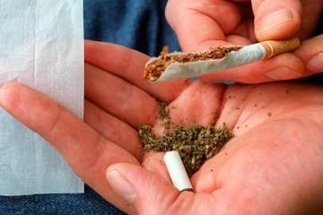 O acusado foi flagrado com duas gramas de maconha - Imagem ilustrativa - Foto: Reprodução