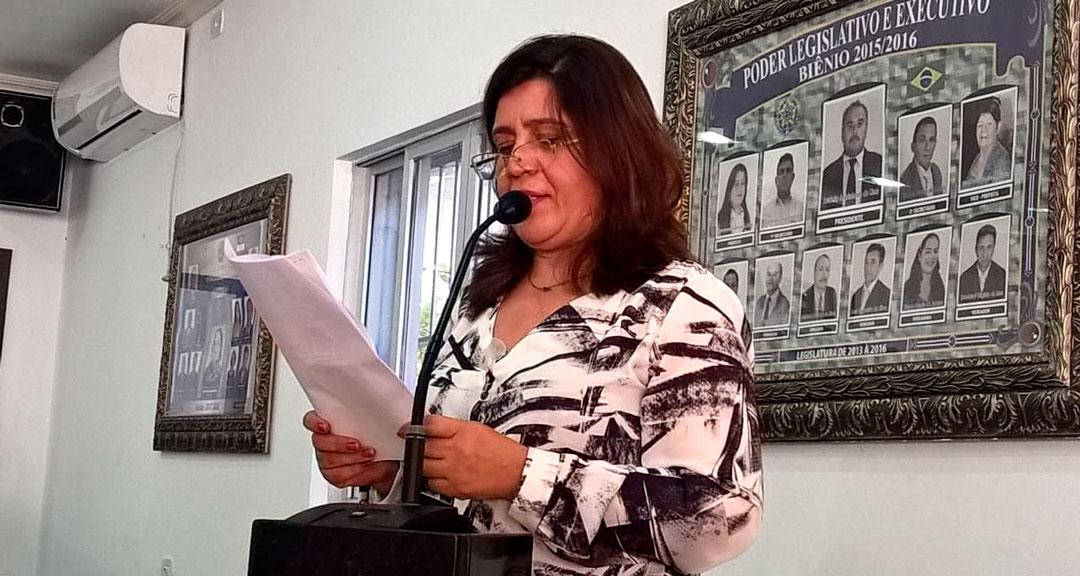 Resultado de imagem para Cida Oliveira, em Solidão