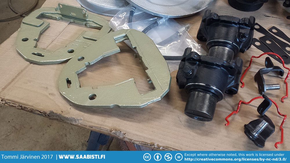 And a closer look at the Saab 99 Turbo front caliper components.