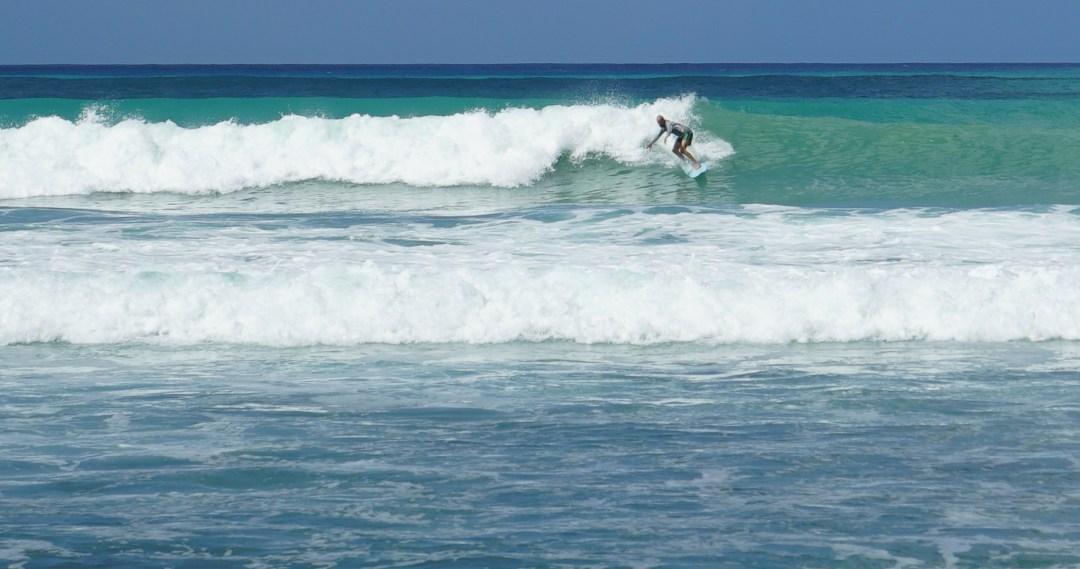 Edelleen Barbadoksella, Jaakko vetämässä aaltoa!
