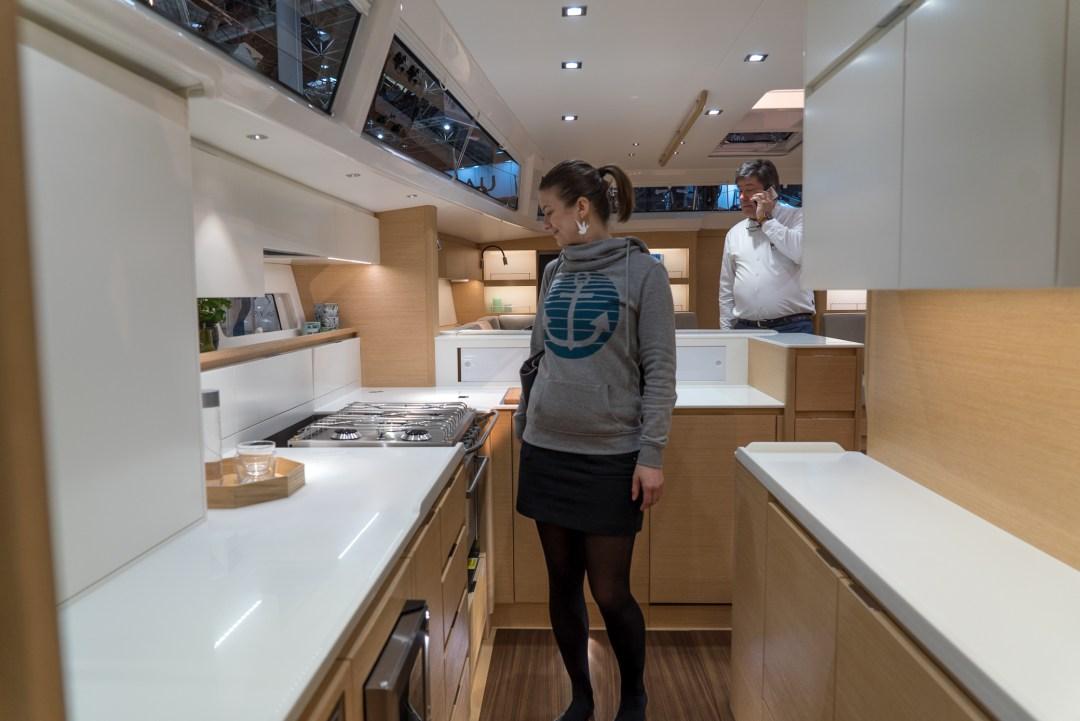 X6:n keittiössä unelmoimassa. Pystyisi kokkailemaan!