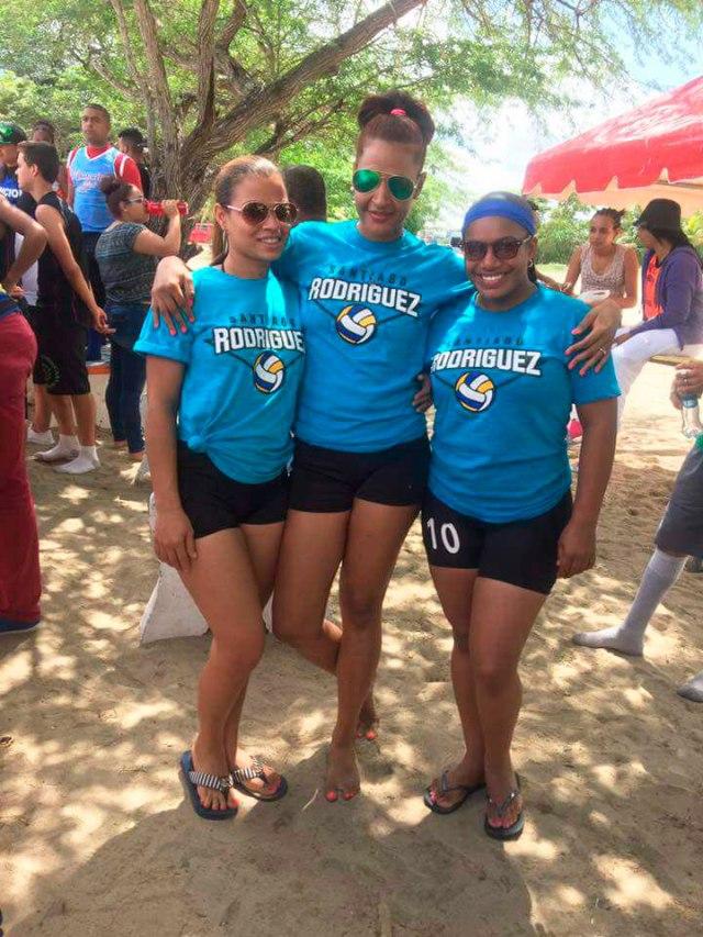 Resultado de imagen para fotos del torneo de voleibol playero en manzanillo 2017