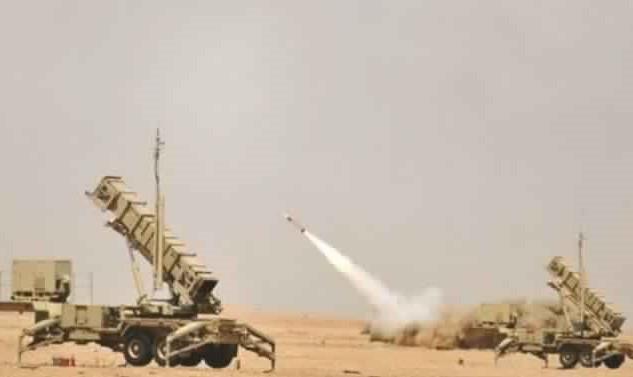 الدفاع الجوي السعودي يعترض ويسقط 5 طائرات حوثية مسيرة باتجاه مطار أبها وخميس مشيط