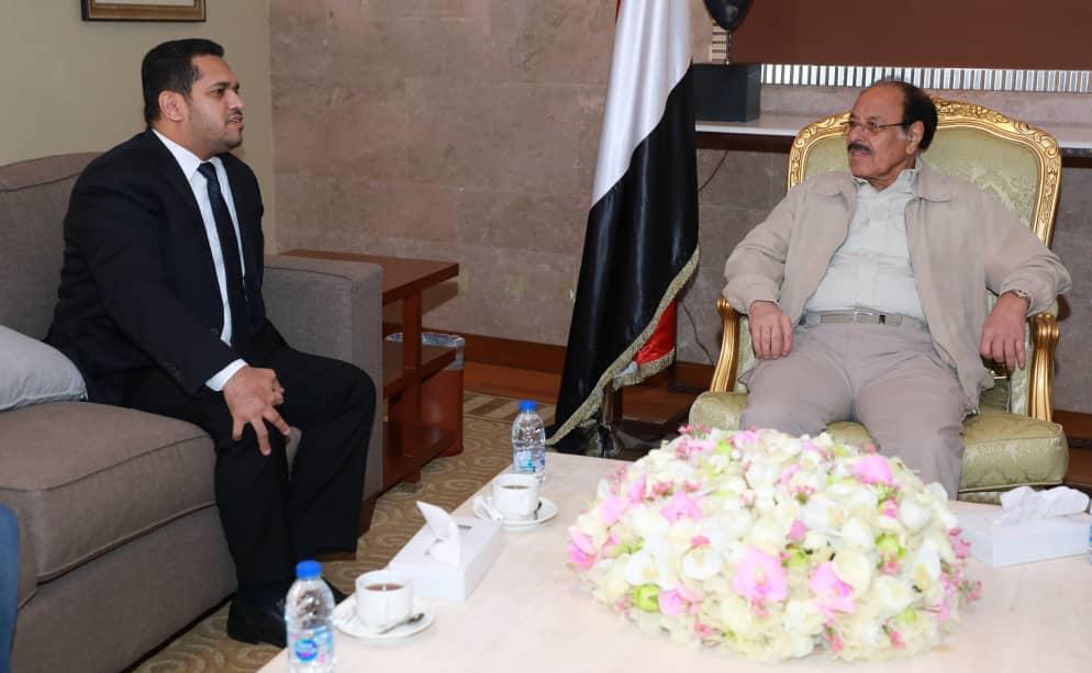 نائب الرئيس يؤكد على أهمية مضاعفة الجهود لكشف انتهاكات الحوثيين لحقوق الانسان