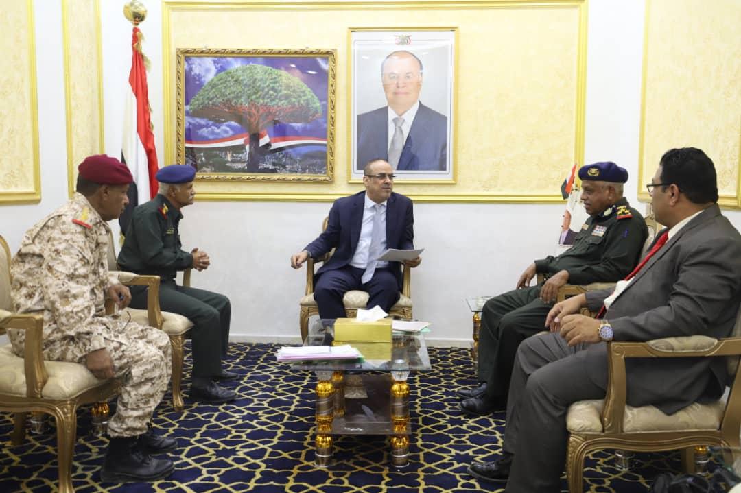 نائب رئيس الوزراء وزير الداخلية يوجه باستكمال البنية التحتية لكلية الشرطة بحضرموت