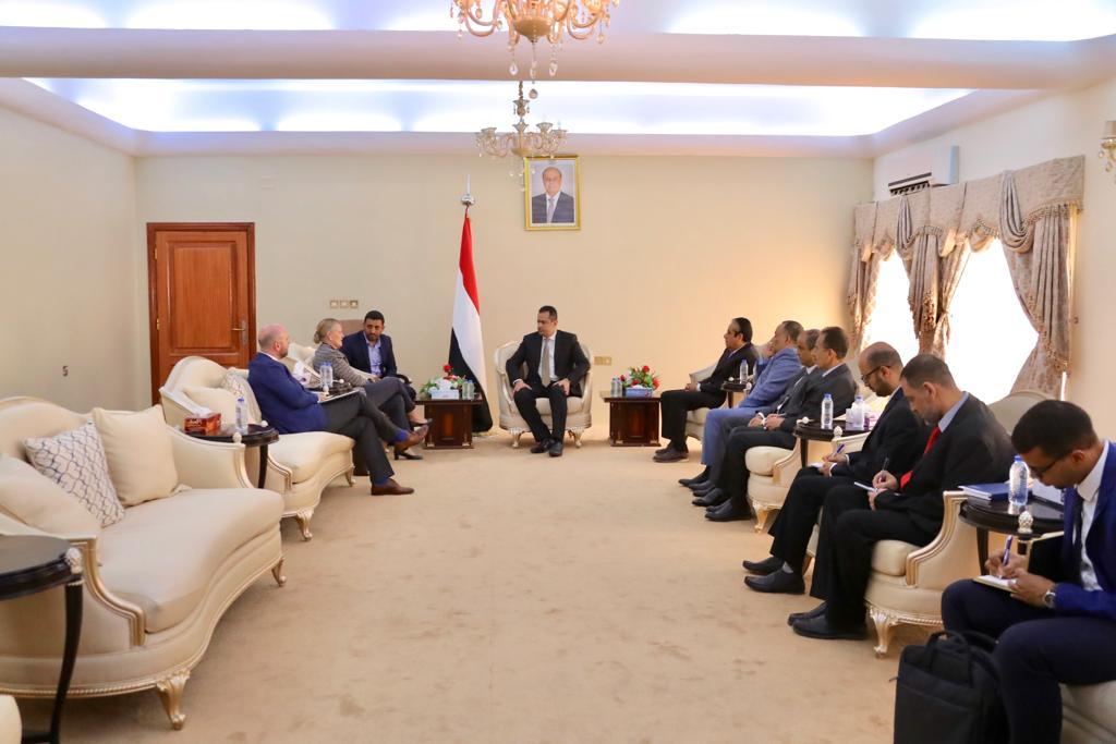 رئيس الوزراء يلتقي منسقة الأمم المتحدة للشؤون الإنسانية في اليمن