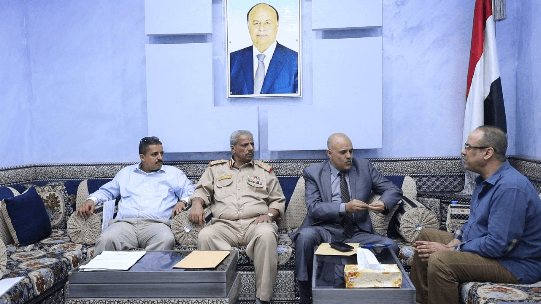 Photo of الميسري يناقش مع محافظي لحج و تعز الأوضاع الأمنية والخدمية في المحافظتين