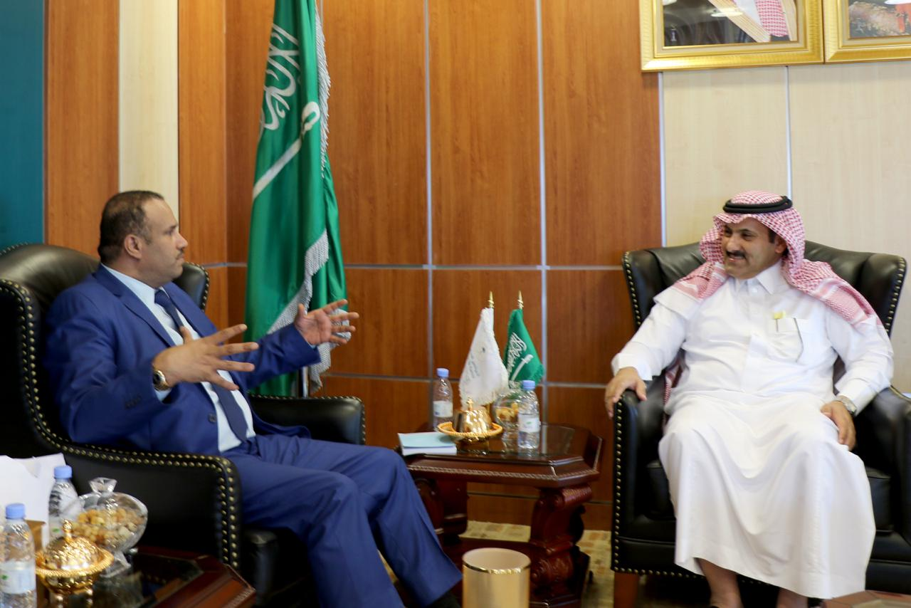 أمين العاصمة صنعاء يناقش مع السفير السعودي البرامج التنموية