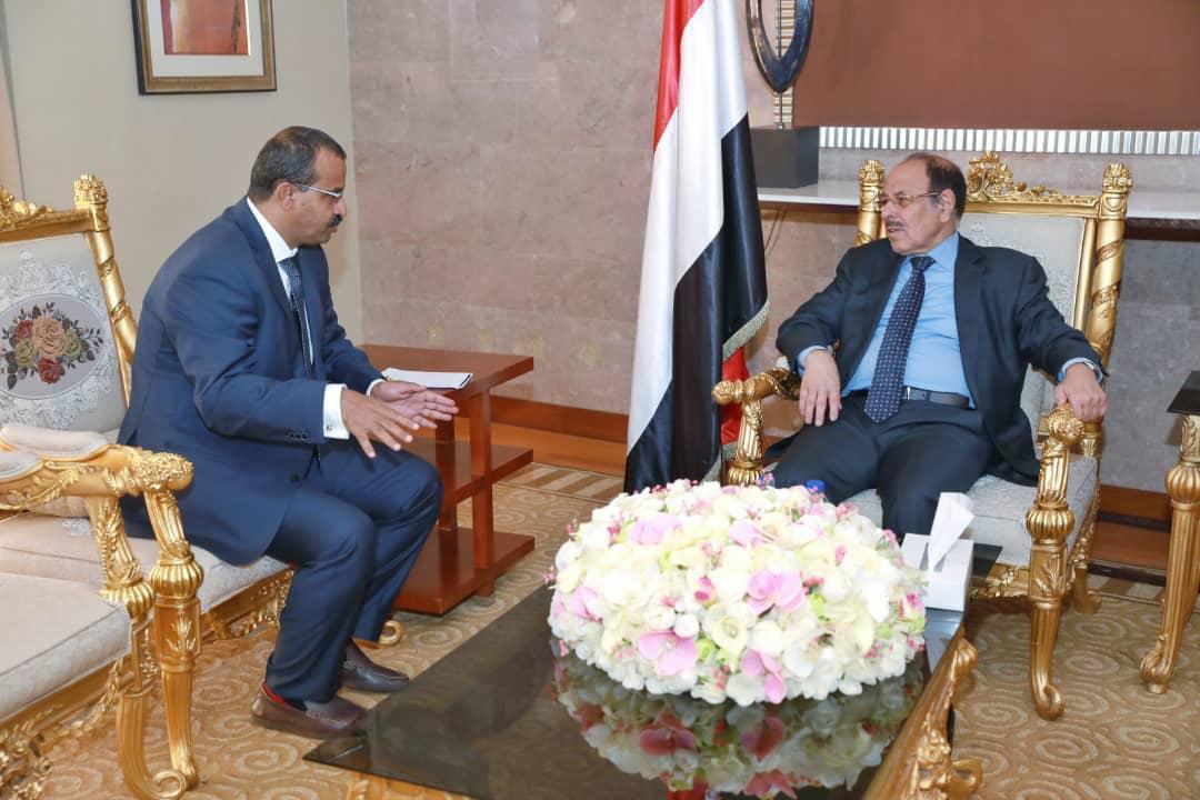 نائب الرئيس يلتقي محافظ محافظة البيضاء
