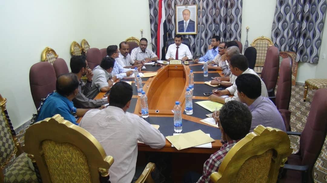 Photo of لجنة المناقصات بشبوة تقر 10 اتفاقيات لمشاريع تنموية بالمحافظة
