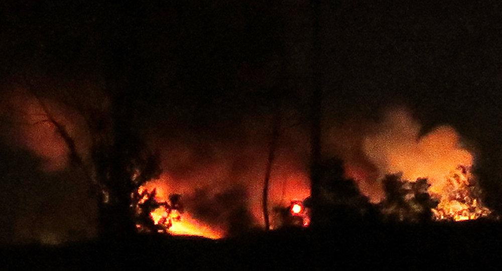 انفجارات في مستودع ذخيرة تركية قرب الحدود السورية