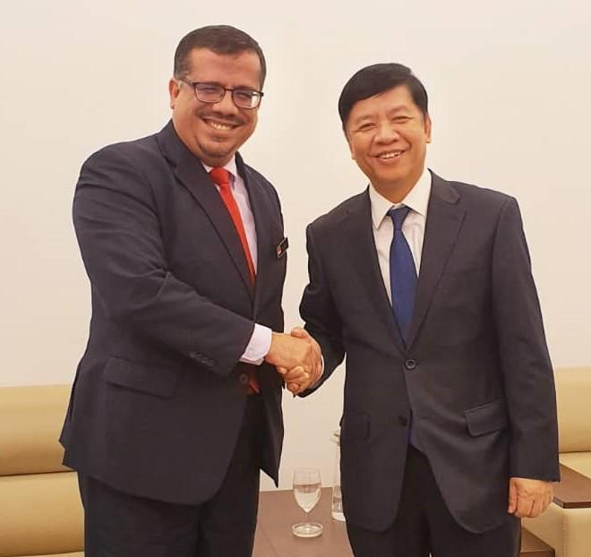 باحميد يبحث مع نائب وزير الخارجية الفيتنامي اوجه التعاون في عدد من المجالات