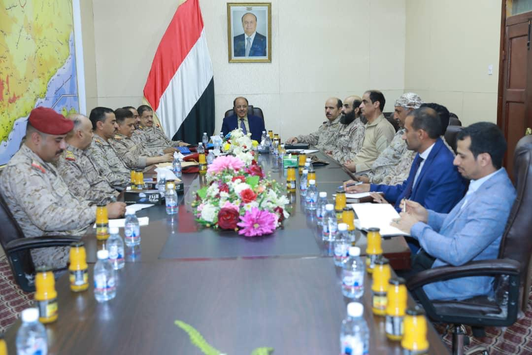 نائب رئيس الجمهورية يلتقي قياداة وزارة الدفاع ويؤكد على توجيهات فخامة الرئيس