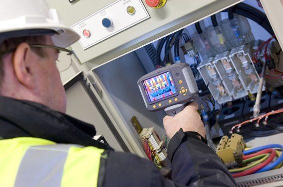 Ao contratar um eletricista procure saber um pouco do trabalho dele