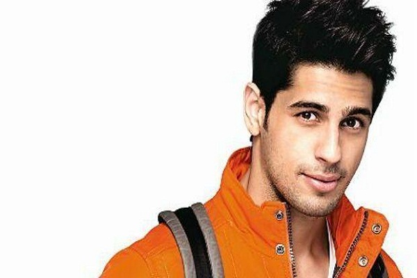 BIRTHDAY SPECIAL: Siddharth Malhotra is extremely shy in the case of girls