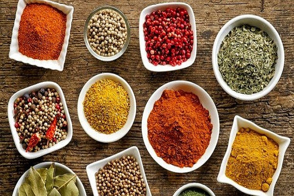 The use of hot spices in winter is very beneficial for health