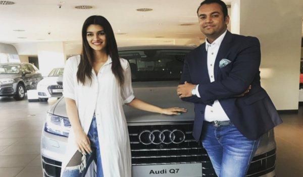 bollywood actress kriti sanon bought new car Audi Q7