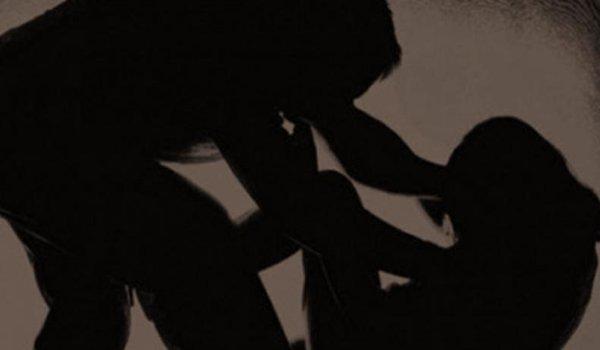 Two Kerala policemen, two others held for teenage girl's rape