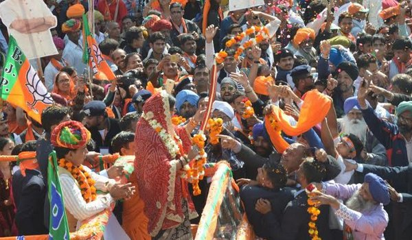 ajmer by-election 2018 : cm vasundhara raje roadshow in ajmer