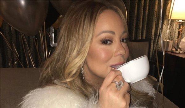 Mariah Carey demands tea during live performance