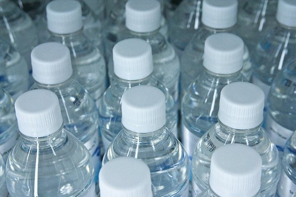 OMG! These are diseases that can be bottled water, damaged