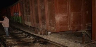 Traffic derails, 2 bogies of goods train in Satna