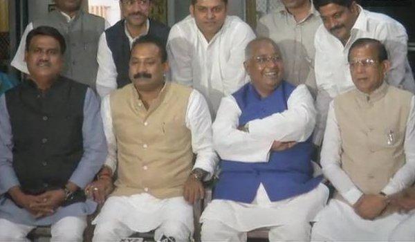 Bihar congress leader Ashok chaudhary with 3 Mlc joins jdu