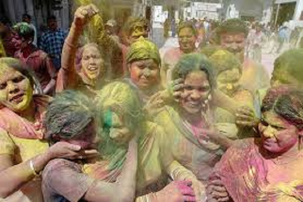 HOLI 2018: A village where only women play Holi