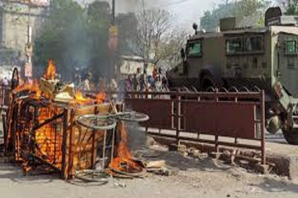 Bihar Violent clashes between two groups by breaking the statue arson