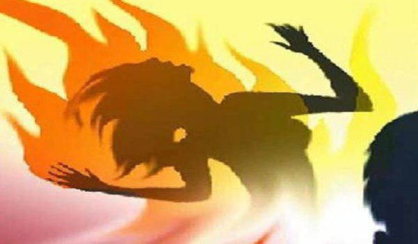 Married woman burnt alive due to LPG gas stove leak in jaipur