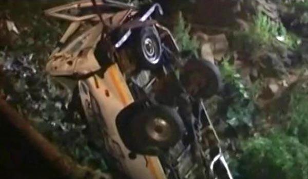 9 killed, 6 injured as jeep skids off, falls into gorge near LoC in Pakistan