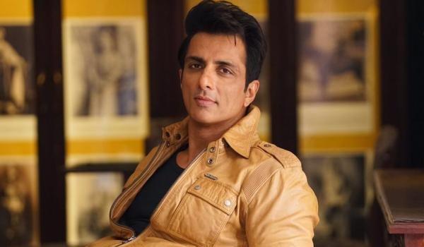 Sonu Sood turns villain again, to fight Ranveer Singh in Simmba
