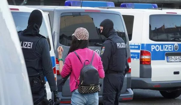 German police crack down on suspected Thai prostitution ring