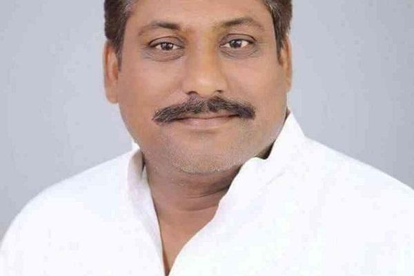 ध्वस्त कानून-व्यवस्था को लेकर मुख्यमंत्री से इस्तीफे की मांग: सपा