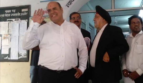 Naren Shahani bhagat surrender in Ajmer court