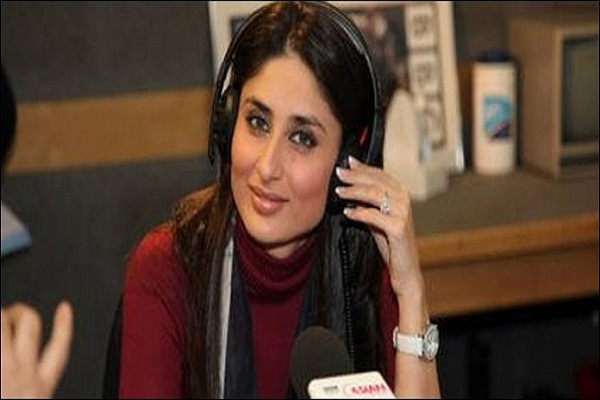 Kareena Kapoor start the radio show