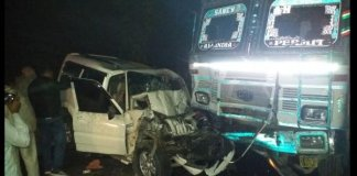 Five killed in truck- car collision in Agra