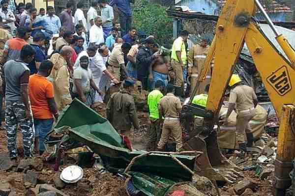 15 killed due to three houses falling in Tamil Nadu