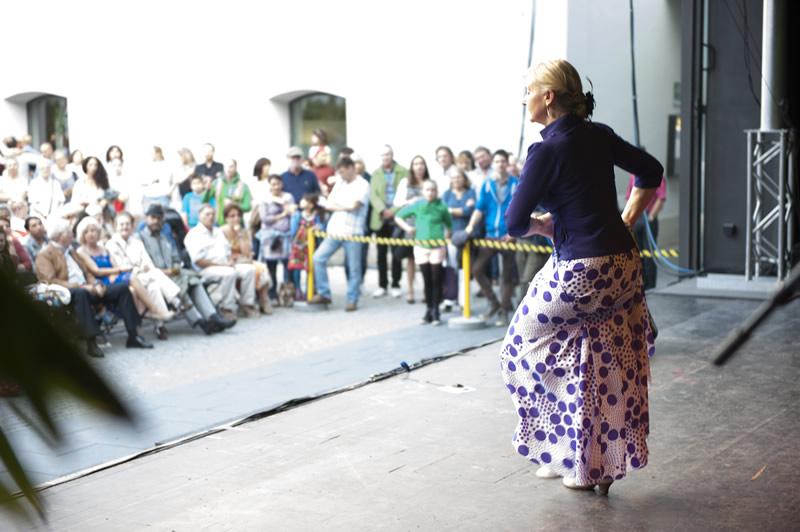 Sabine Maria Leitner Auftritt mit Publikum