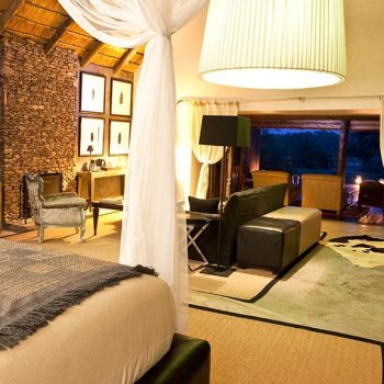 Chitwa Chitwa Game Lodge Room at Night Accommodation