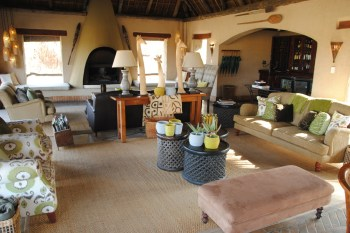 Simbambili Game Lodge Room Lounge