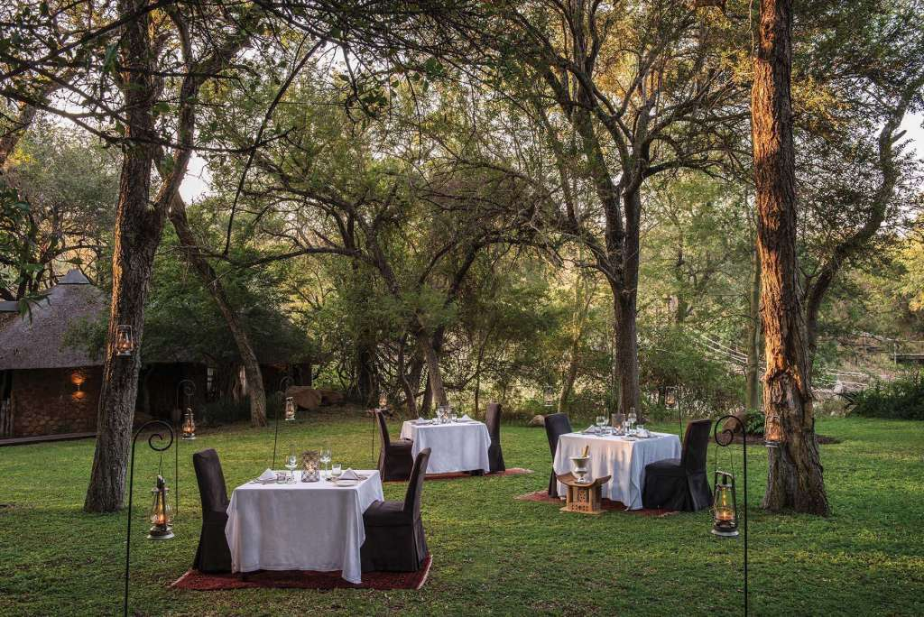Dulini Lodge Lawn Dining