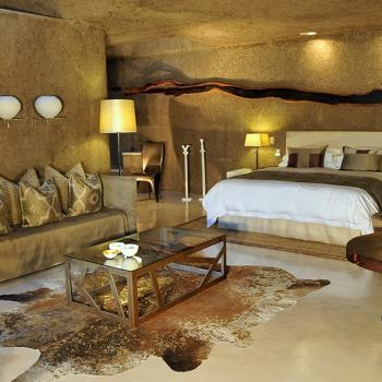 Sabi Sabi Earth Lodge Suite