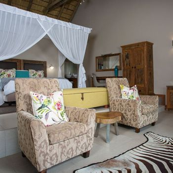 Arathusa Safari Lodge Water Facing Luxury Suite