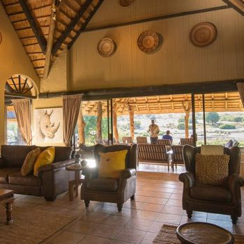 Inyati Game Lodge Lounge