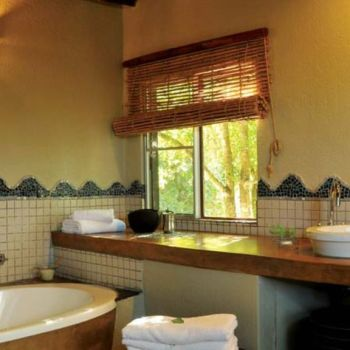 Djuma Vuyatela Lodge Bathroom