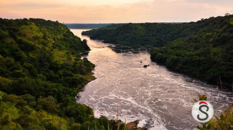 Evening,_Nile_River,_Uganda