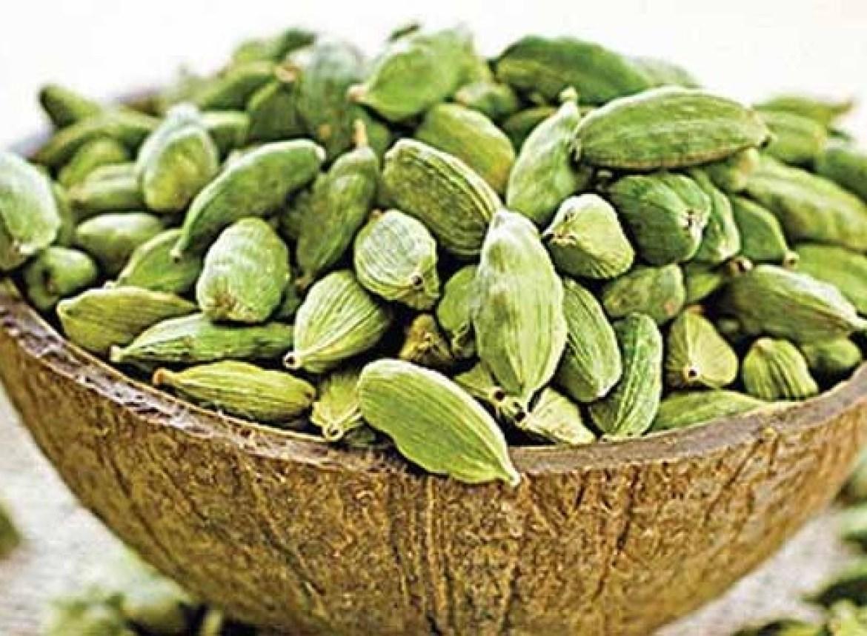 best-and-amazing-cardamom-elaichi-benefits-in-hindi (1)